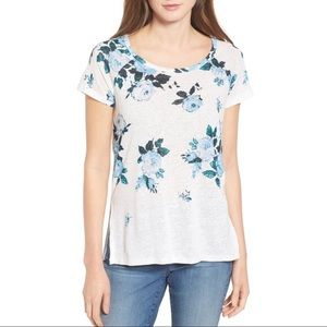 Blue floral thin white tee split sides, flowing